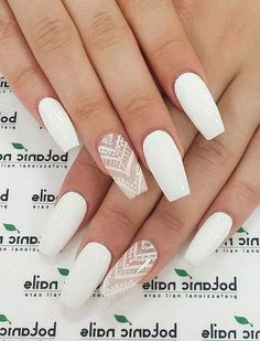 15 Cute Nail Art Designs to Welcome Summer Look at these almond acrylic nails Related posts:purple butterfly acrylic nailsRed Holiday Nail Ideas for Mercimekli Börek Tarifi - Nefis Yemek. White Acrylic Nails, Almond Acrylic Nails, White Nail Art, Summer Acrylic Nails, Best Acrylic Nails, Matte White Nails, White Coffin Nails, White Short Nails, Matte Red