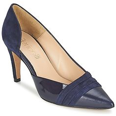 Para seguir los pasos de la moda, hay que contar con unos zapatos de tacón Gazzaro de Fericelli. La combinación del corte en piel y de su color azul convierte este modelo en un indispensable. Su tacón de 8 cm se puede definir como divinamente alto y eso nos encanta. Para las adeptas a los accesorios femeninos, es el zapato de tacón ideal. #zapatontaconelegante #zapatospartootacon #zapatontaconaltoazul http://www.spartoo.es/Fericelli-GAZZARO-x1990787.php