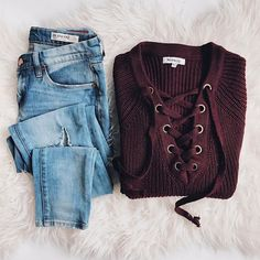 Outfits and flat lays we fell in love with. See more ideas about Casual outfits, Cute outfits and Fashion outfits. Fashion Trends, Latest Fashion Ideas and Style Tips. Fashion Mode, Look Fashion, Womens Fashion, Fashion Trends, Fashion Fashion, Korean Fashion, Komplette Outfits, Casual Outfits, Fashion Outfits