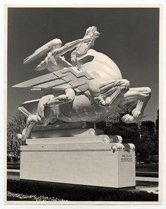 Art Deco statue 'Speed' - 1939 World's Fair by Joseph E. Sculpture Textile, Sculpture Art, Art Nouveau, Design Industrial, Estilo Art Deco, Deco Retro, Sculptures Céramiques, Wow Art, Art Deco Era