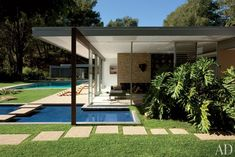 Vidal Sassoon's Modernist Retreat -   The legendary stylist and his wife, Ronnie, reinvigorate an iconic Richard Neutra house in the hills of Bel Air