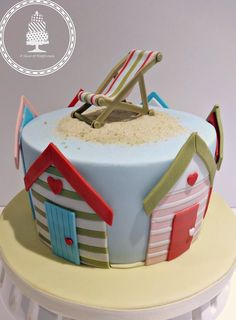 Beach Huts - cake by Angela - A Slice of Happiness Pretty Cakes, Cute Cakes, Beautiful Cakes, Amazing Cakes, Beach Hut Cake, Beach Cakes, Torta Minion, Decors Pate A Sucre, Beach Themed Cakes