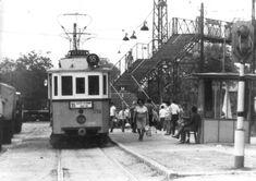 1970-es évek. Újpest, az Árpád út végén. Amikor még nem volt felüljáró, de nyitott peronú osztott szélvédős 55-ös villamos végállomásán....az igen.