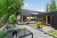 ASKER - Moderne villa tegnet av ark. Lund Hagem - Garasje på