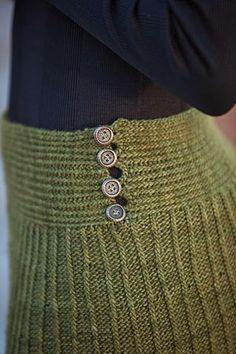 Isobel Skirt pattern by Cia Abbott Bullemer Crochet Skirts, Knit Skirt, Crochet Clothes, Knit Crochet, Sweater Skirt, Knitting Daily, Knitting Yarn, Hand Knitting, Knitting Patterns