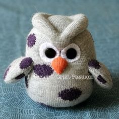 Craft Passion | DIY Sock Owl #freesewingpattern #softie #tutorial