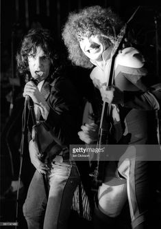 Alex Harvey and Zal Cleminson of The Sensational Alex Harvey Band performing on stage at Mayfair Ballroom, Newcastle-upon-Tyne, 02 March Any Music, Good Music, Alex Harvey, Scottish Bands, Close Shave, Rita Hayworth, Best Rock, Jimi Hendrix, Classic Rock