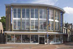 Oldenhof Hilversum  's Gravelandseweg 8 1211 BR Hilversum 035-6236626   Openingstijden: kijk op www.kookwinkel.nl