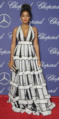Ruth Negga& sheer foral gown at the annual Palm Springs International Film Festival Film Awards Gala was so pretty, she won fashion today. Fashion Today, Love Fashion, High Fashion, Funky Fashion, Trendy Dresses, Nice Dresses, Fashion Dresses, Chor, The Dress