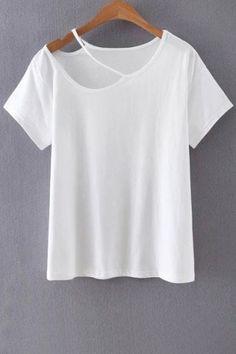 Cut Out Round Collar Short Sleeve T-Shirt (Diy Ropa Poleras) Diy Kleidung, Diy Vetement, T Shirt Diy, Diy Tshirt Ideas, Diy Cut Shirts, Diy Ideas, Diy Clothing, Refashion, Shirt Designs