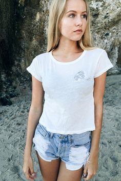Brandy ♥ Melville | Mason High Tide Waves Patch Top - Graphics