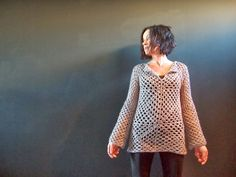 VMSomⒶ KOPPA: Virkattu ruutupaita - 6 pack - a sweater with 6 granny squares per side (and when with neutral colors, completely different from the usual) Freeform Crochet, Easy Crochet, Free Crochet, Knit Crochet, Crochet Tops, Crochet Ideas, Granny Square Sweater, 6 Pack, Irish Lace