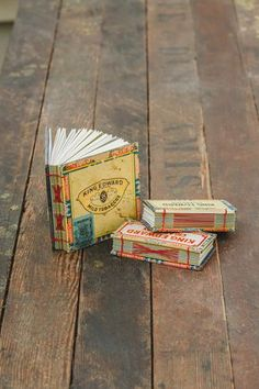 Unusual handmade books Cigar Box Books Free tutorial with pictures on how to make a recycled book in under 120 minutes Cigar Box Projects, Cigar Box Crafts, Book Projects, Altered Cigar Boxes, Altered Books, Altered Art, Altered Tins, Cigar Box Art, Handmade Journals
