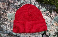 fi – Cousteau beanie by Hanna, Kotiliesi. Easy Knitting, Knitting Patterns Free, Crochet Patterns, Crochet Slippers, Knit Or Crochet, Small Knitting Projects, Beanie Pattern, How To Purl Knit, Knitting Accessories
