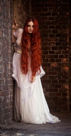 wedding hair redhead w - weddinghair Beautiful Redhead, Beautiful Long Hair, Long Red Hair, Long Curly, Fantasy Photography, Hair Photography, Redhead Girl, Auburn Hair, Grow Hair