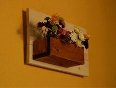 אדנית תלויה מעץ מלא Frame, Home Decor, Picture Frame, Decoration Home, Room Decor, Frames, Home Interior Design, Home Decoration, Interior Design