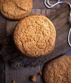 An easy and delicious South African All Bran Rusks recipe that used easy accessable pantry ingredients to deliver a delicious bran rusk. Rusk Recipe, All Bran, Ginger Snap Cookies, Golden Syrup, Ginger Snaps, Sugar And Spice, Recipe Using, Tray Bakes, Food Inspiration