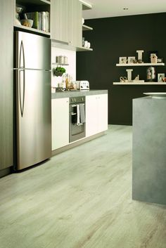 Formica Flooring in Lucé.