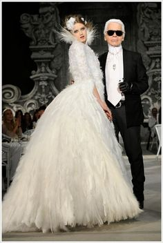 Lindsey Wixson and Karl lagerfeld in Chanel Haute Couture Fall/Winter 2012-2013 Runway #CpourL