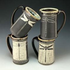 Terrific Totally Free Pottery Wheel photography Strategies Wheel Thrown Oz Mugs With Freehand Carved Sgraffito Dragonfly Design * rad geworfene unze-becher mi Slab Pottery, Ceramic Pottery, Pottery Art, Ceramics Pottery Mugs, Ceramic Pinch Pots, Ceramic Cups, Ceramic Art, Sgraffito, Clay Mugs