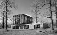 Wiley House, New Canaan, Conn., designed by Philip Johnson, 1953.