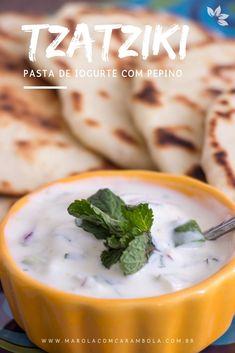 O Tzatziki é uma receita de origem grega, feita a base de iogurte natural e pepino. Uma Pasta de iogurte com pepino leve e muito saborosa. Tzatziki, My Recipes, Cooking Recipes, Cheeseburger Chowder, Mashed Potatoes, Turkey, Low Carb, Soup, Pasta