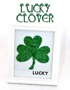 Lucky Clover DIY Wall Art- just in time for St. Paddy's Day!