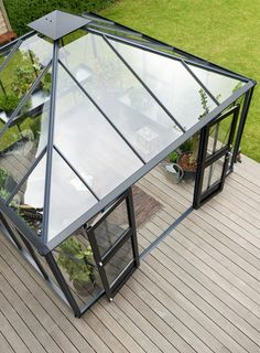 Willab Gardens växthus Oasis Window Greenhouse, Backyard Greenhouse, Backyard Sheds, Pallet Garden Furniture, Corner Furniture, Glass Roof Extension, Sunroom Kits, Shed To Tiny House, Glass Room