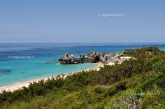 Scorci lungo la costa, in scooter potete raggiungere le spiagge più nascoste delle Isole Bermuda #viaggiaescopriBermuda #gotoBermuda http://www.viaggiaescopri.it/isole-bermuda-i-segreti-per-vivere-una-vacanza-low-cost/