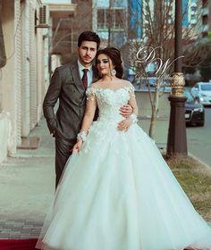 Photo by @_.diamondwedding._ Indian Wedding Couple Photography, Wedding Couple Photos, Pre Wedding Photoshoot, Wedding Photography Poses, Wedding Poses, Wedding Couples, Gorgeous Wedding Dress, Beautiful Bride, Foto Wedding