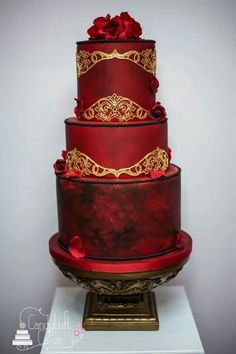 Crimson and Gold Wedding cake