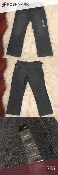 J. Ferrar Mens 42/30 Relaxed Big&Tall Jeans These jeans are brand new with tags! They are big&tall, relaxed straight jeans and are in great condition!! Thank you for your interest !🙂 Happy Shopping!🍂❤️🎃 J. Ferrar Jeans Relaxed