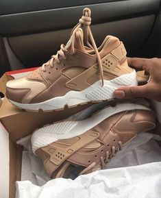 factory authentic 2ab60 d5013 shoes huarache rose gold nike shoes nike hurraches brown beige nude gold  huaraches or bronze nike