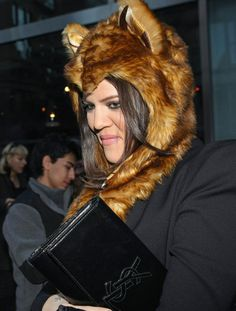 Khloe Kardashian love her hat