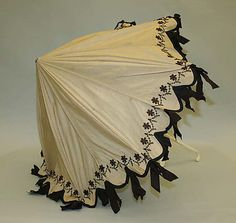 Parasol Date: 1900–1908 Culture: American Medium: silk, ivory Dimensions: [no dimensions available] Credit Line: Gift of Mr. William Drown Phelps, 1943 Accession Number: C.I.43.29.27