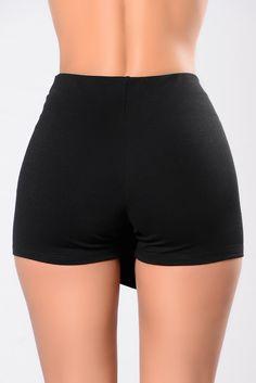 What's In The Envelope Skirt - Black