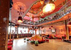 Un bar latino à Paris dans le quartier de Bastille Danse Salsa, Bastille, Paris Ville, Colorful Decor, Interior, The Neighborhood, Parisians, Night, Dance In
