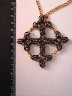 Templar's Cross by Arte Fon Silberherz at MAIL  http://www.mailleartisans.org/gallery/gallerydisplay.php?key=7390