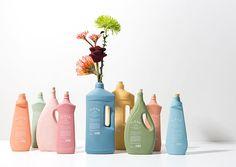 Clean the ocean - Eco-Packaging & Produits d'entretien : Clean ways to clean Design Typo, Label Design, Package Design, Box Design, Skincare Packaging, Soap Packaging, Washing Detergent, Packaging Design Inspiration, Design Packaging