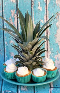 Infuse some tropical pineapple flavor into your day with this fun Pineapple Angel Food Cupcakes recipe! These cupcakes come together in a snap. Strawberry Coconut Cakes, Strawberry Angel Food Cake, Angel Food Cake Desserts, Angel Food Cupcakes, Pineapple Angel Food, Ww Desserts, Pineapple Coconut, Fall Desserts, Pineapple Cupcakes
