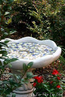 Trendy ideas for concrete bird bath makeover mosaic birdbath Garden Junk, Garden Art, Garden Ideas, Terrace Ideas, Glass Garden, Garden Crafts, Backyard Ideas, Outdoor Crafts, Outdoor Decor