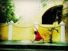 Doing a #reversewarriorpose #viparitavirabhadrasana at the beautiful #FrenchQuarter of #Pondicherry where you can gaze at the white and mustard buildings  breathe in the beauty and let time slow down!  #tresbien  #Pondicherry #yogaeverywhere #jenildholakiayoga #HathaYoga by jenildholakia_yoga