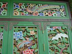 Introduction to Korean Crafts -- Beautiful wood-art