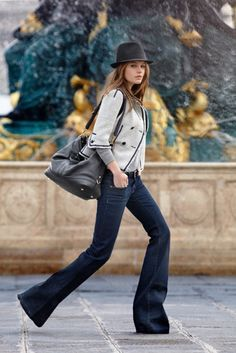 Flare jeans & Fedora hat