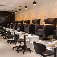 Pedicure Salon Decor Interior Design Ideas For 2019 Luxury Nail Salon, Nail Salon Design, Nail Salon Decor, Hair Salon Interior, Beauty Salon Decor, Salon Interior Design, Beauty Salon Design, Schönheitssalon Design, Design Ideas