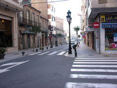 "Puerta del Sol. ""A Estrada 2005 GFDL34"". A través de Wikipedia - http://gl.wikipedia.org/wiki/Ficheiro:A_Estrada_2005_GFDL34.jpg#mediaviewer/File:A_Estrada_2005_GFDL34.jpg"