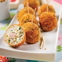 Crisp rice dumplings with shrimps Best Appetizers, Appetizer Recipes, Tapas, Wedding Reception Food, Buffet, Canapes, Family Meals, Food Porn, Brunch
