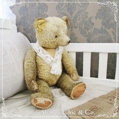 Wunderschöner  uralter Teddybär von Shabby Chic & Co. auf DaWanda.com