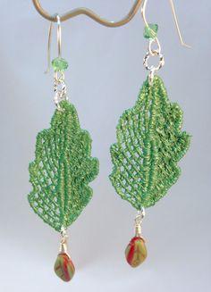 He encontrado este interesante anuncio de Etsy en https://www.etsy.com/es/listing/237186709/lace-green-leaf-earrings-venise-lace