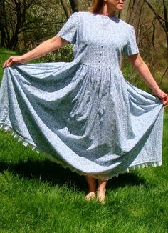 VIntage Prairie Pioneer Dress Light Blue Floral.Laura Ingalls Modest Holly Hobbie Grunge Gunny Sack Drop Waist.